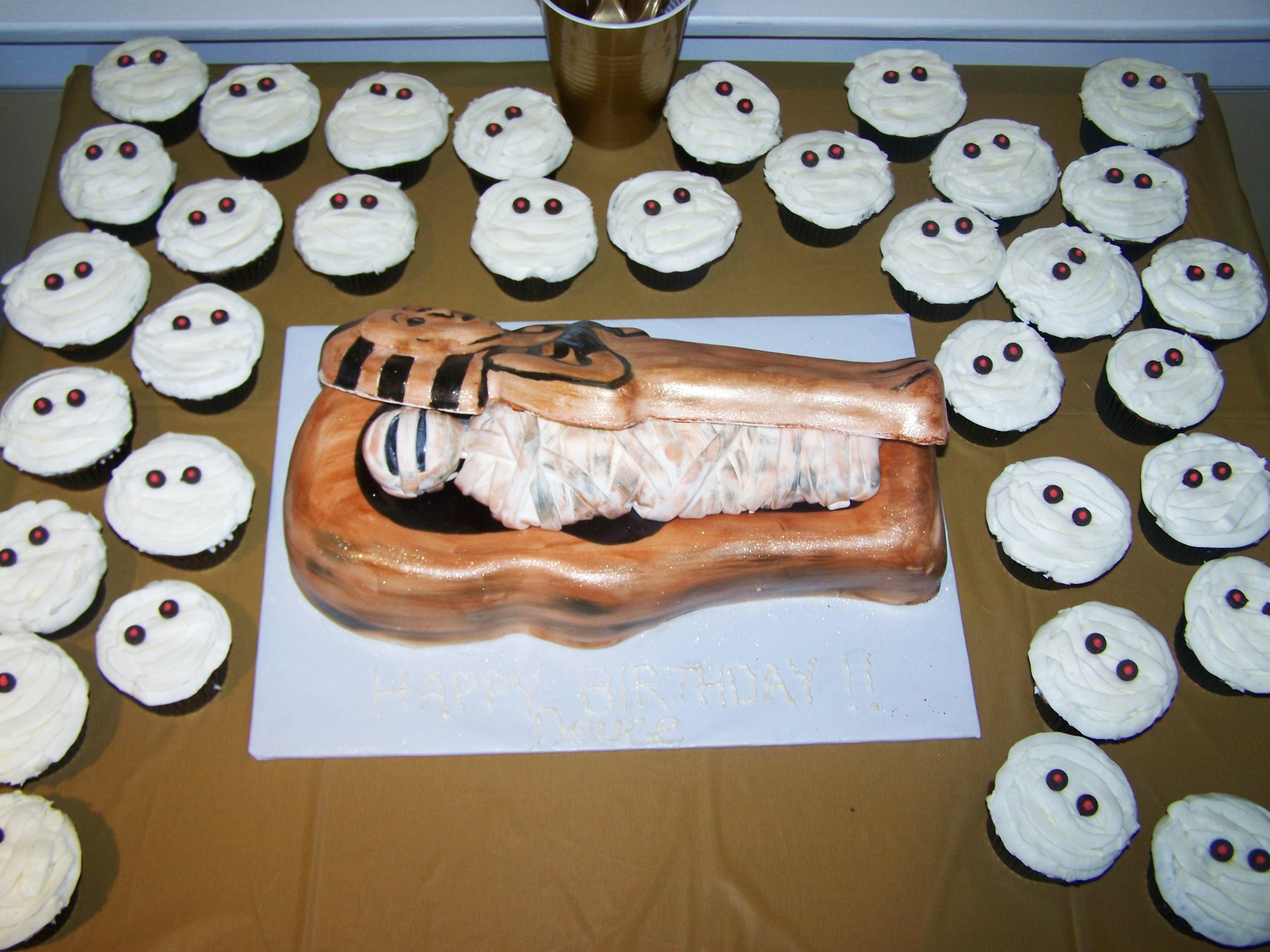 Groovy Sarcophagus Cake With Mummy Cupcakes Beth Anns Funny Birthday Cards Online Necthendildamsfinfo